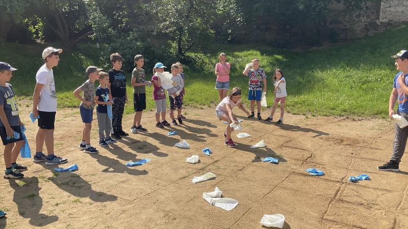 Vybíjená i matematika = Letní kempy na 2. ZŠ Propojení v Sedlčanech